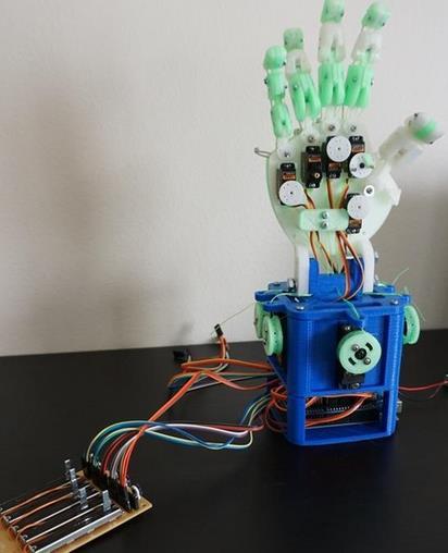 用3D打印机械手Hobby Hand学习机器人技术